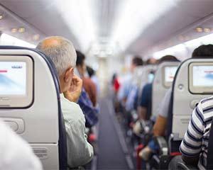 飞机不能随便坐 老人乘机健康指南