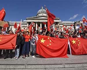 """通讯:反暴力、救香港——英国华侨华人集会反对""""港独"""""""