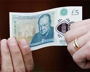 私下换汇有风险 外交部:莫因贪小利成为洗钱帮凶
