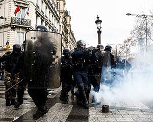 驻法国使馆提醒中国公民减少出行