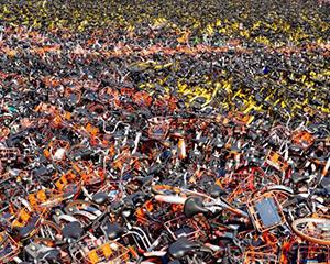 北京清理破损废弃共享单车 一个月间回收近20万辆