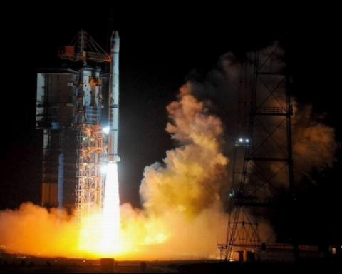 中国将射近30颗北斗卫星    导航服务覆盖全球   国人可享受厘米级导航服务