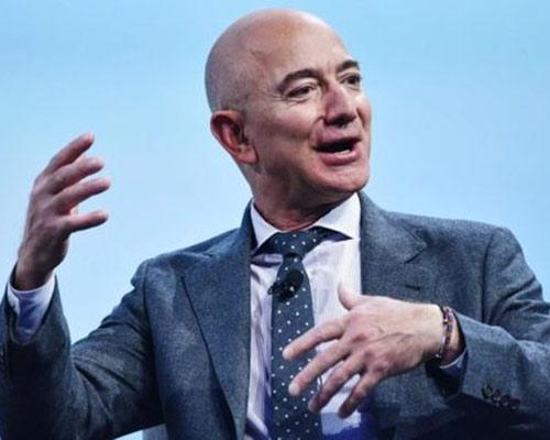 Príncipe saudita hackeou celular de Jeff Bezos com vídeo enviado pelo WhatsApp, diz jornal
