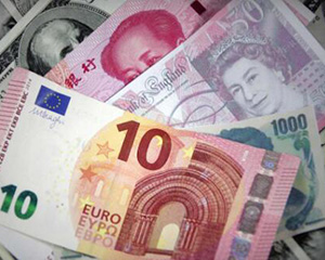 """人民币""""破7""""现反转 央行将根据需要进行逆周期调节"""