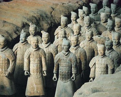 Mais Guerreiros de Terracota são desenterrados perto do mausoléu do Imperador Qinshihuang